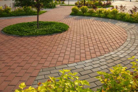 Florida Landscape Design Company Offers 4 Ways to Incorporate Bricks into your Landscaping