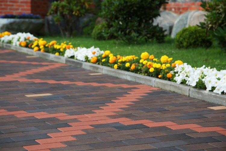 4 Imaginative Ways to Use Brick Pavers
